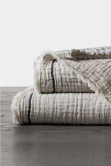 Coyuchi Topanga Organic Matelasse Blanket -  NEUTRAL MOTIF - Anthropologie