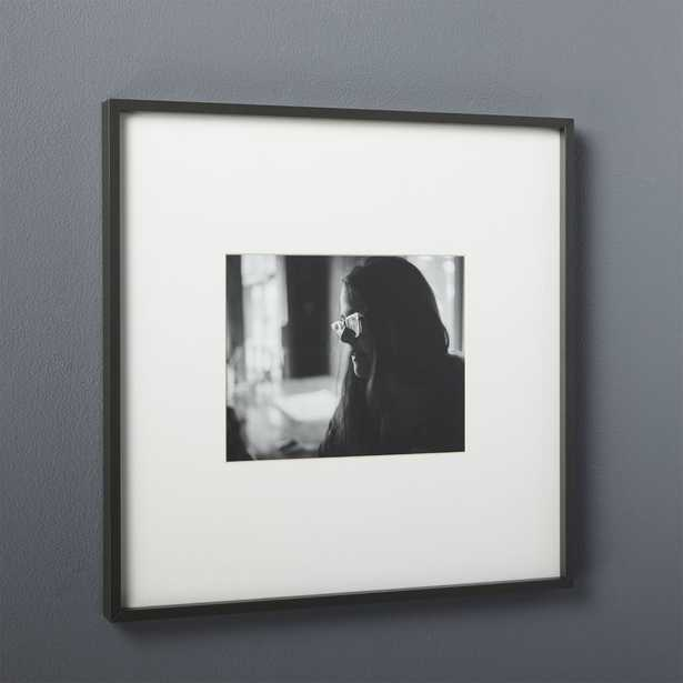 GALLERY BLACK 8X10 PICTURE FRAME - CB2