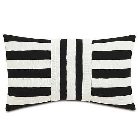 Hamptons Indoor/Outdoor Pillow - 13x22 With insert - Ballard Designs