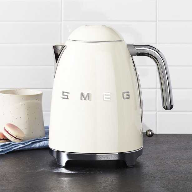 Smeg Cream Retro Electric Kettle - Crate and Barrel