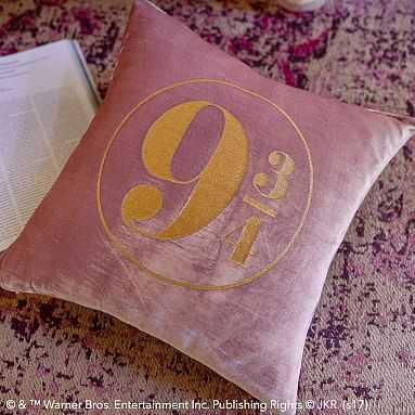 Harry Potter Platform 9 3/4 Pillow Cover & Insert - Pottery Barn Teen