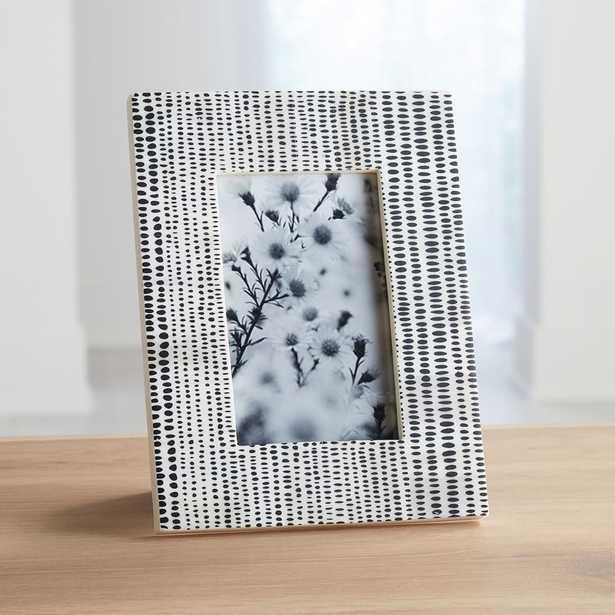 Shiraleah 4x6 Black/White Photo Frame - Crate and Barrel