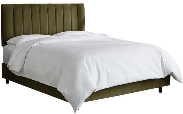 Aliyah Velvet Bed, Pine King - Lulu and Georgia