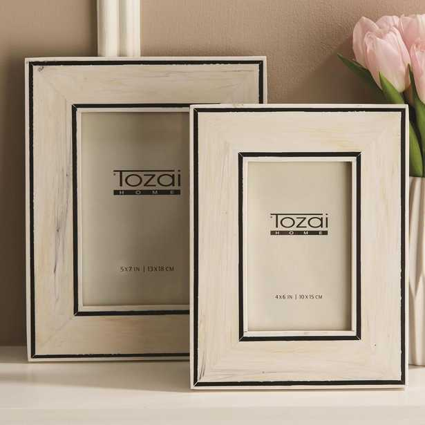 Two's Company Border Lines Set of 2 Black and White Resin Picture Frames Includes 2 Sizes: 4 in. x 6 in. and 5 in. x 7 in. - Home Depot