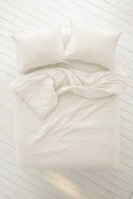 Plum & Bow Alia Duvet Cover - Full/Queen - Ivory - Urban Outfitters