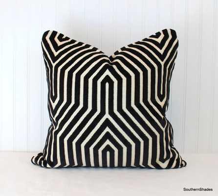 "High End Schumacher Vanderbilt Velvet Noir Pillow Cover - 18""Sq. - No Insert - Etsy"