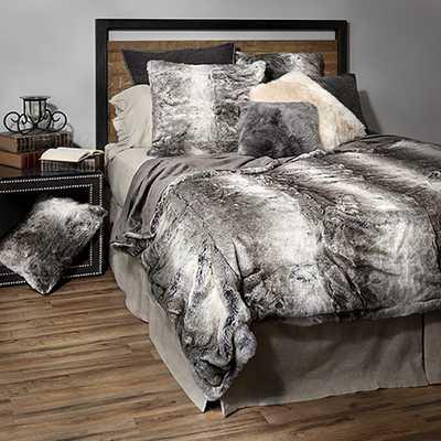 GREY WOLF FAUX FUR BED BLANKET - Arhaus