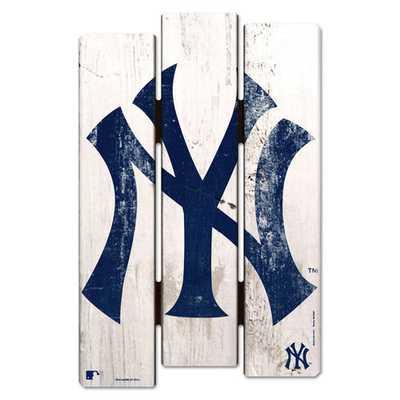 "New York Yankees WinCraft 16"" x 11"" Wood Fence Sign - MLBshop.com"