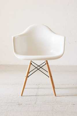 Modernica Dowel Arm Shell Chair - Urban Outfitters