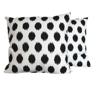 Jo-Jo Black and White Throw Pillows (Set of 2) 16x16 with insert - Overstock