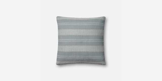 P1066 MH LT. BLUE - Loma Threads