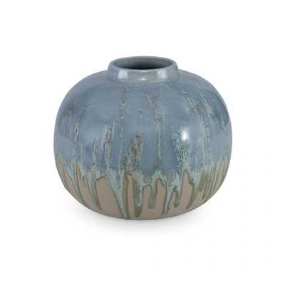 MEDA VASE, SMALL - Curated Kravet