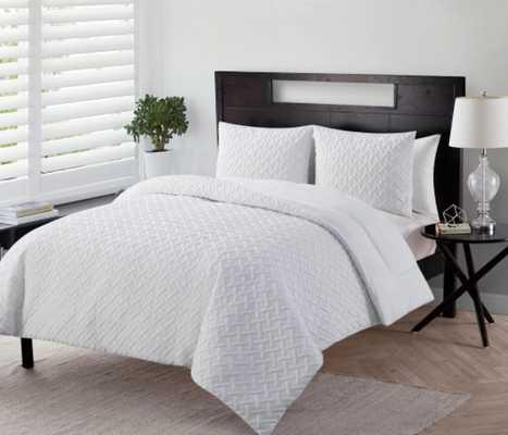 VCNY Home Nina Comforter - Overstock