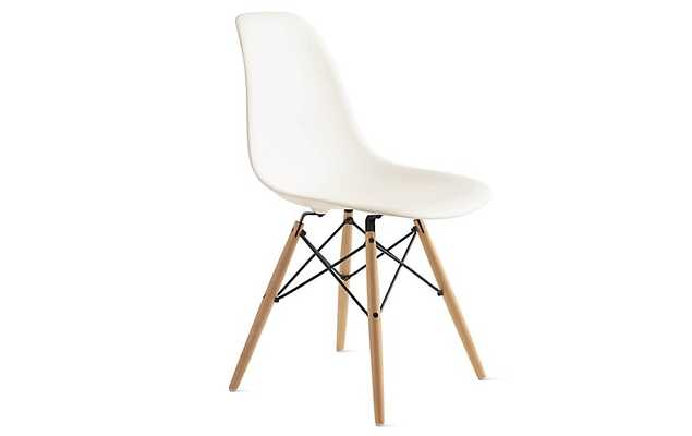 Eames® Molded Plastic Dowel-Leg Side Chair (DSW) - Design Within Reach