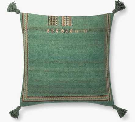 P0776 Green throw pillow - poly fill - Loma Threads