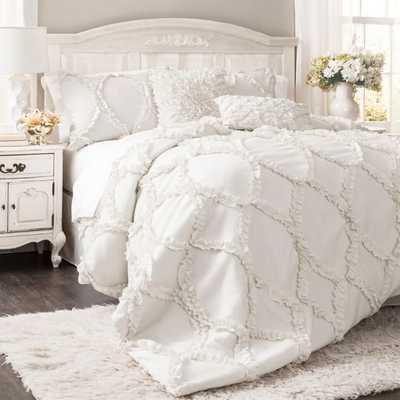 Lush Décor Avon 3-Piece Queen Comforter Set in White - Bed Bath & Beyond