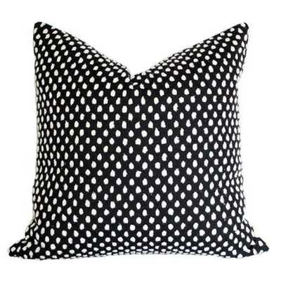 Pebble Onyx - 11x21 pillow cover (lumbar) / pattern on front, solid black velvet on back - Arianna Belle