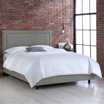 Skyline Furniture Hdc Linen Grey King Nail Button Border Bed - Home Depot