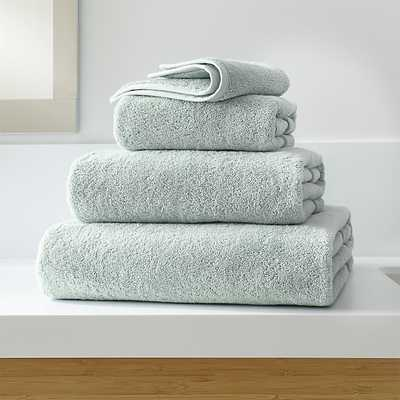 Turkish Cotton 800-Gram Spa Blue Bath Towels - Crate and Barrel