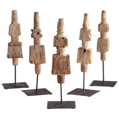 Small Rustic Todem Sculpture - Onyx Rowe