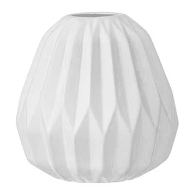 Madigan Vase, White - Lulu and Georgia