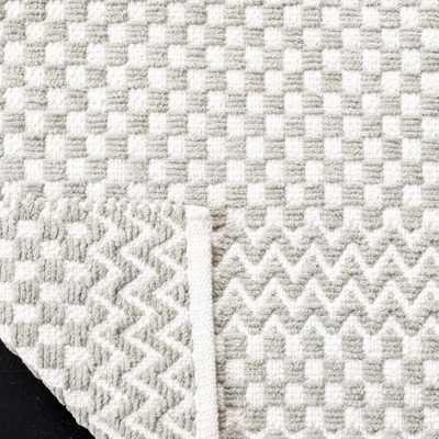 Arlo Home Hand Tufted Area Rug, BOS686F, Grey,  6' X 6' Square - Arlo Home