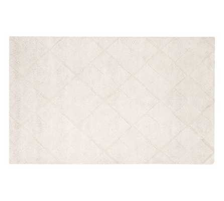 MAE DIAMOND TUFTED RUG - 8' x 10' - Pottery Barn