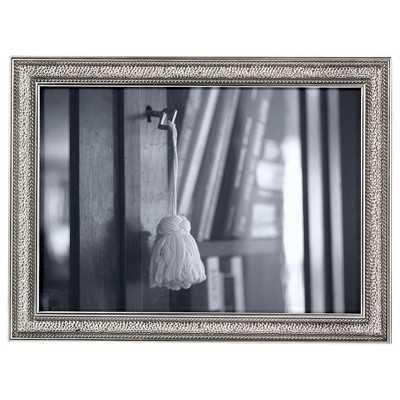 "Thresholdâ""¢ Thin Profile Frame - Target"