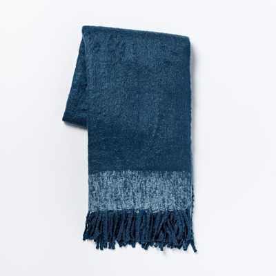 Cozy Texture Throw - Blue lagoon - West Elm