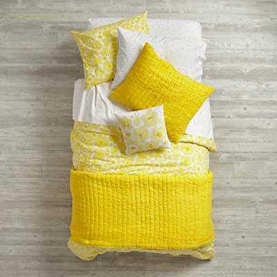 Go Lightly Bedding Quilt - Land of Nod