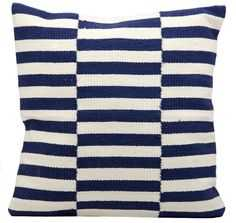 Life Styles - White/Navy - 18sq. - Polyester Fill - Domino