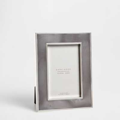 ENAMELED METAL FRAME - Zara Home