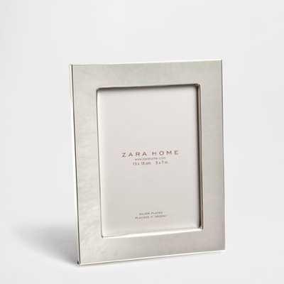 SILVER-PLATED METAL FRAME - Zara Home