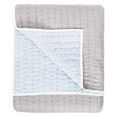 REVERSIBLE PICK-STITCH LIGHT GREY QUILT - Crane & Canopy