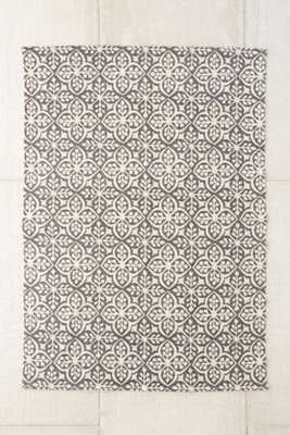 Plum & Bow Zarina Floral Printed Rug - 5' x 7' - Urban Outfitters