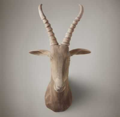 HAND-CARVED WOOD BLESBOCK TROPHY HEAD - RH