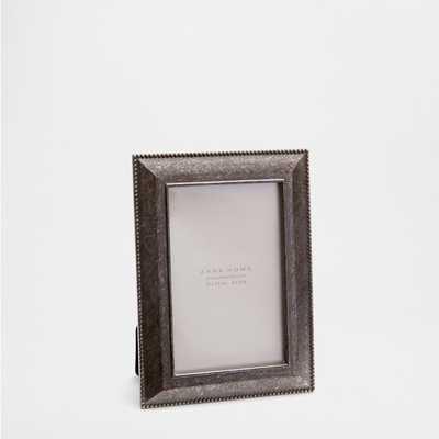 METAL RAISED EDGE FRAME - Zara Home
