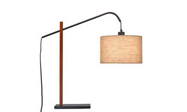Jess Table Lamp - Spring & Stitch