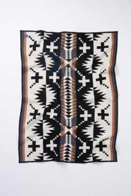 Pendleton Spider Rock Throw Blanket -Black/White - Urban Outfitters