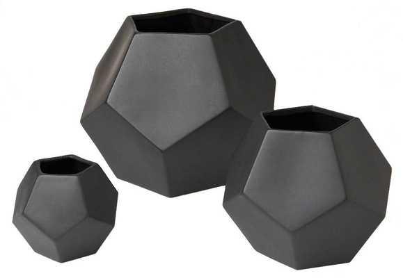 Faceted Vase -Matte Black- Medium - Domino