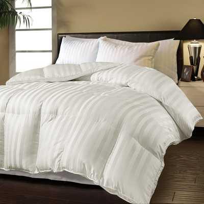 Hotel Grand Oversized Luxury 500 Thread Count Down Alternative Comforter - Overstock