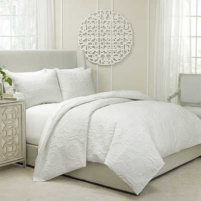 Vue Barcelona Ivory Three-Piece Queen Quilted Coverlet and Duvet Set - Bellacor