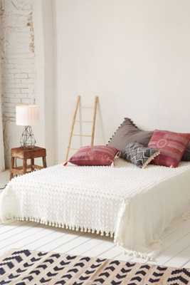Tufted Dot Coverlet - Full/Queen - Urban Outfitters