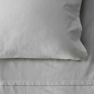GARMENT-DYED VINTAGE COTTON FITTED SHEET - RH Teen