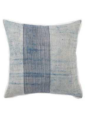 "Saybrook Pillow / Down Alternative Insert / 22"" x 22"" - Cove Goods"