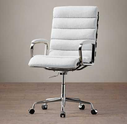 Oviedo Upholstered Desk Chair -vintage velvet white - RH