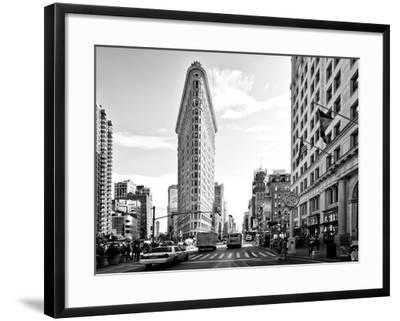 Black and White Photography Landscape of Flatiron Building and 5th Ave, Manhattan, NYC, US - art.com