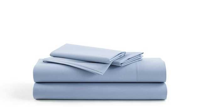 Brooklinen Percale Core Sheet Set - Queen - Sky Blue - Brooklinen
