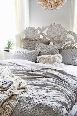 Textured Chevron Duvet, Light Grey - Queen - Anthropologie
