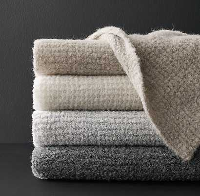 ALPACA BOUCLÉ AIR-SPUN THROW - RH